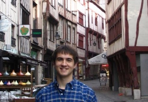 Host paying guest in Lyon with Lyon Expat Seri